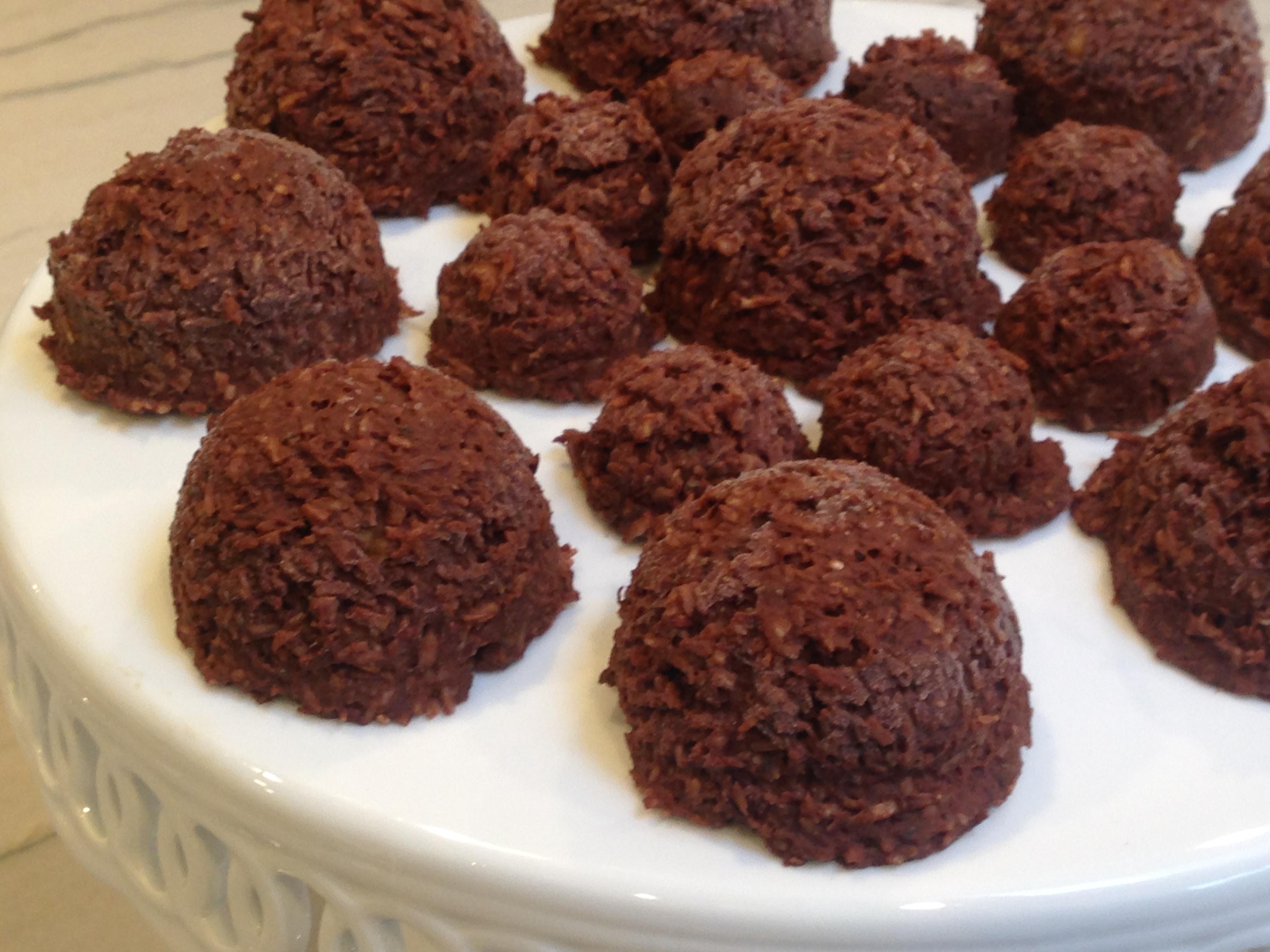 No Bake Chocolate Macaroons | Marisa's Healthy Kitchen